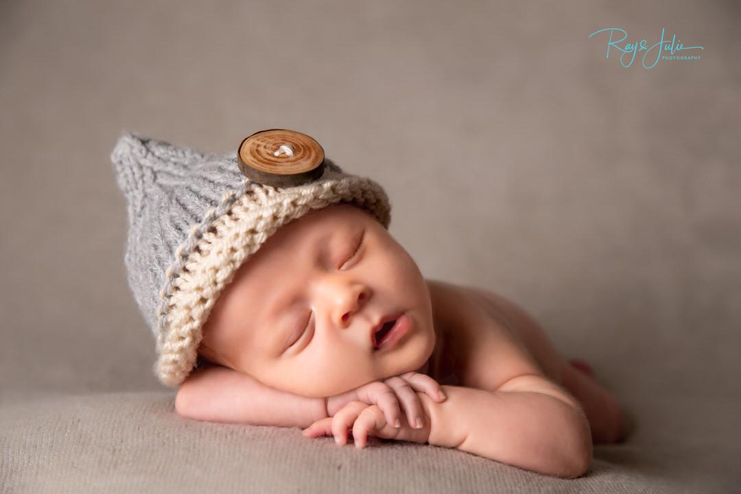 Headpiece - Infant - newborn - asleep baby- portrait - studio - photography - Yorkshire - Hull