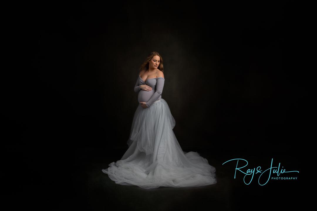 Maternity Dress - Mum to be- pregnant - baby - bump - portrait - studio - photography - Yorkshire - Hull