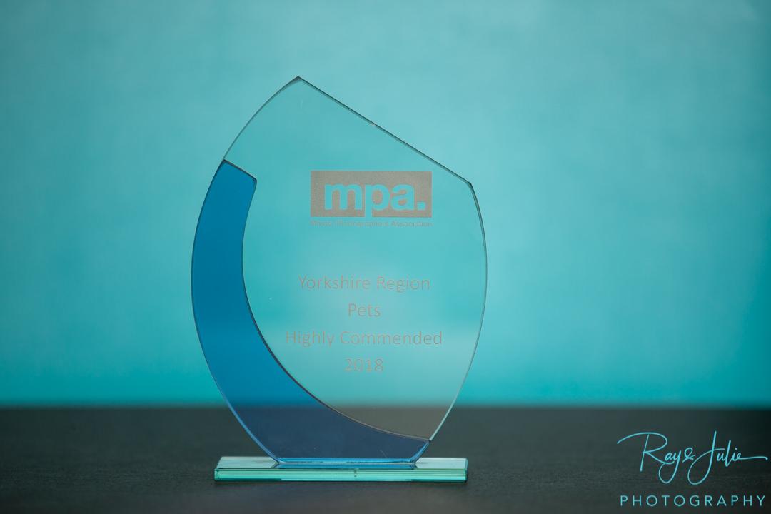 Master Photographers Association - Pet- Award - Trophy - Highly commended - Award-Winning